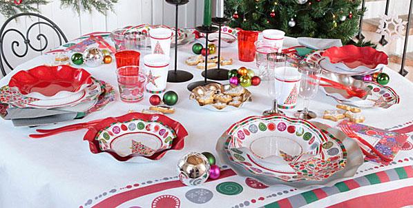 Come decorare la tavola delle feste di natale hiphipurr for Piatti e bicchieri per feste bambini