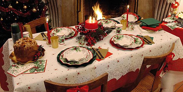 Come decorare la tavola delle feste di natale hiphipurr - Apparecchiare una tavola elegante ...